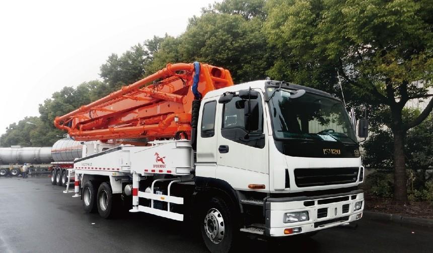 TP37M4混凝土臂架泵车 - 阿联酋项目1.jpg