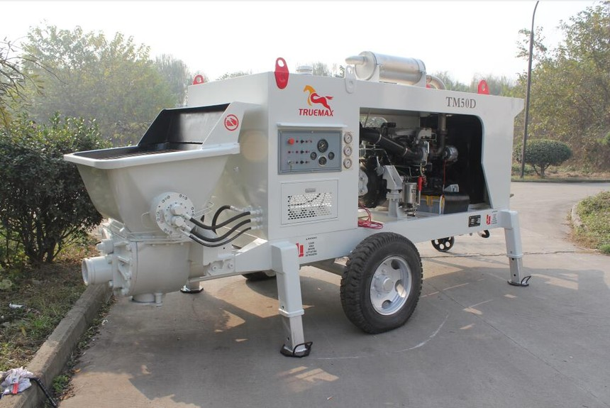 白俄罗斯项目HBT50-08-74D混凝土拖泵.jpg