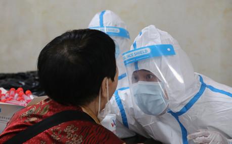 市第一人民医院三天完成28.9万份核酸检测采样