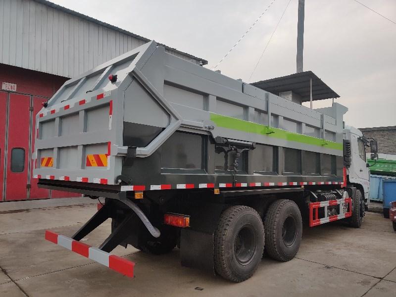 全密封15吨污泥运输自卸车.jpg
