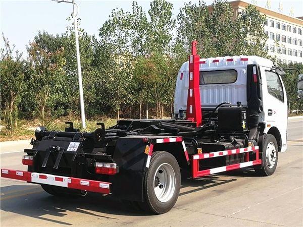 8方垃圾运输车