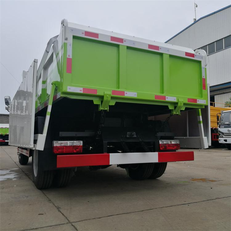 污泥粪便清运车在卸料口增加全密封锁紧装置