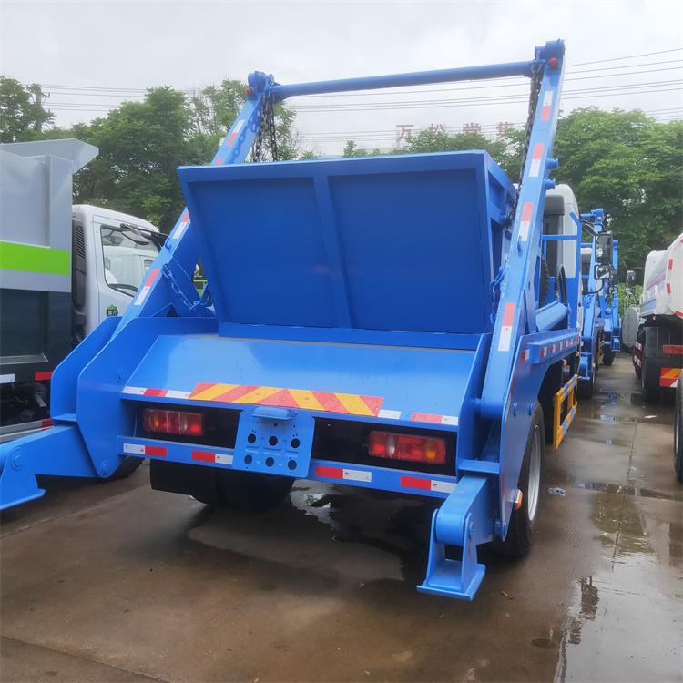 对于多泥口污水处理厂,可以采用摆臂式垃圾车