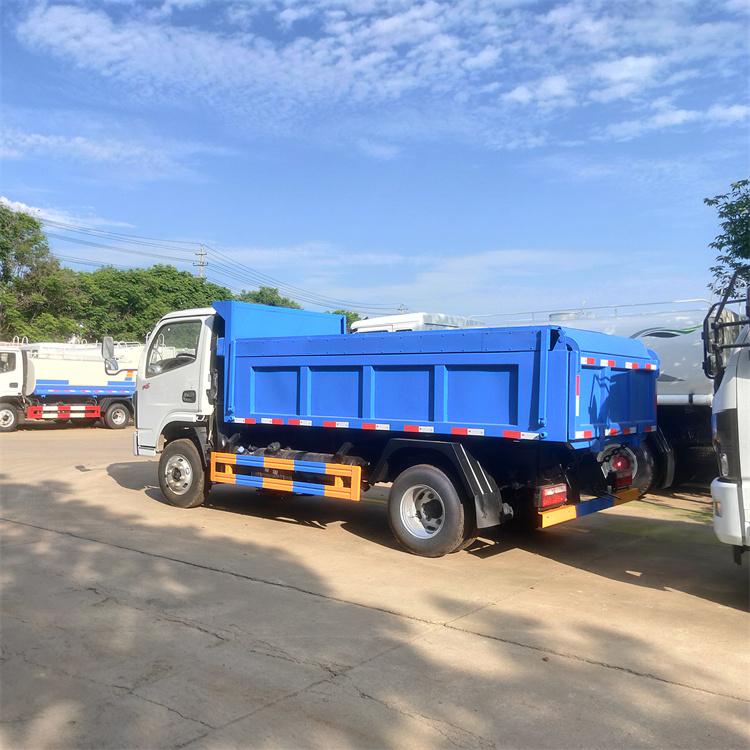 东风多利卡6-8吨污泥运输车