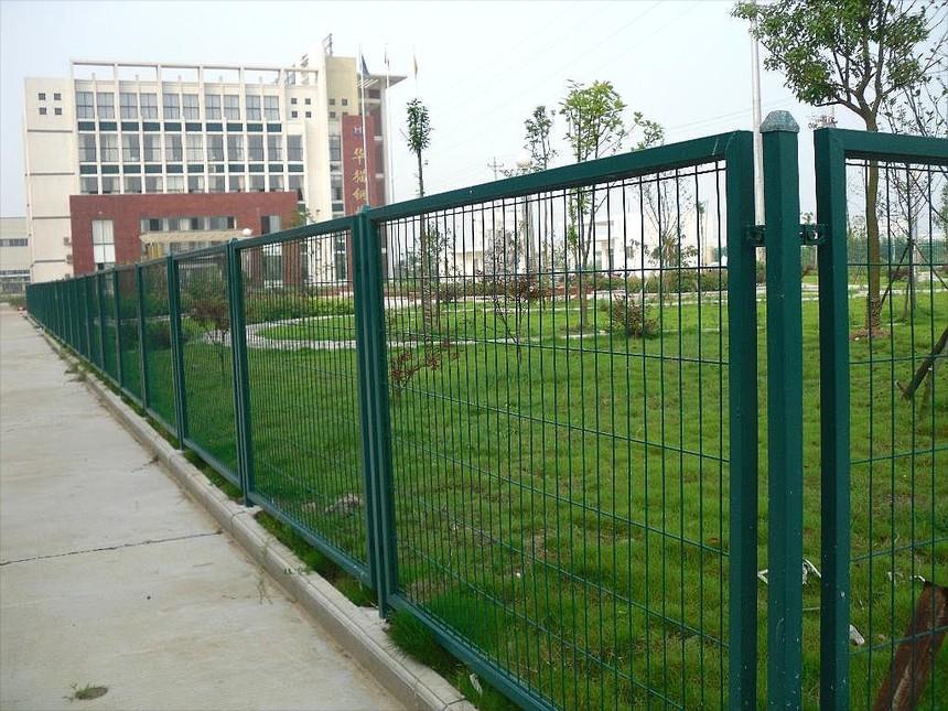 小区外墙公路护栏网.jpg