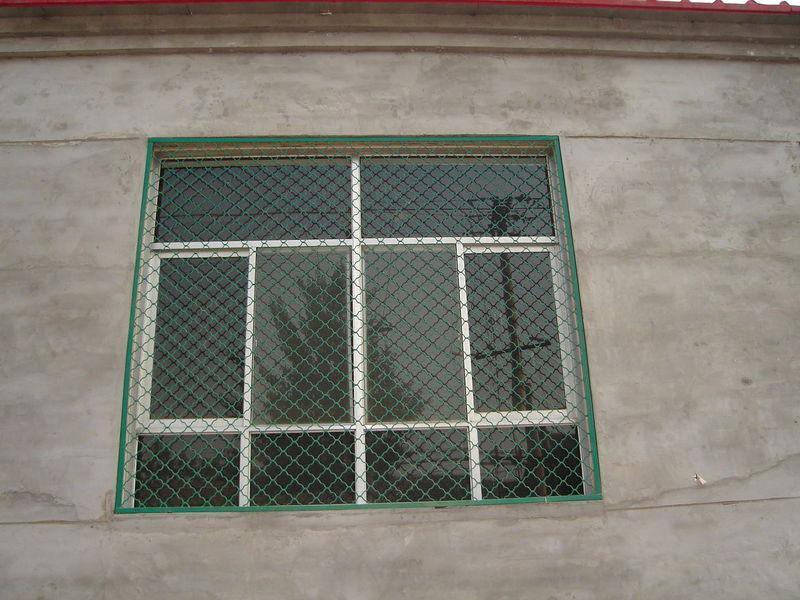 镀锌防锈防盗窗窗户护栏网.jpg