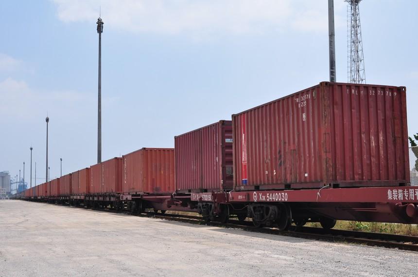 摄图网_501353898_铁路运输(非企业商用).jpg