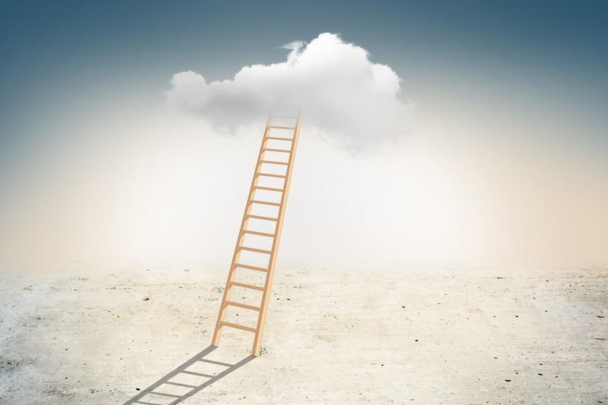 摄图网_500523410_登梯上云层(非企业商用).jpg