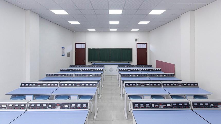物理實驗室.jpg