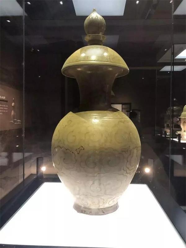 博物館陶瓷展示柜.jpg