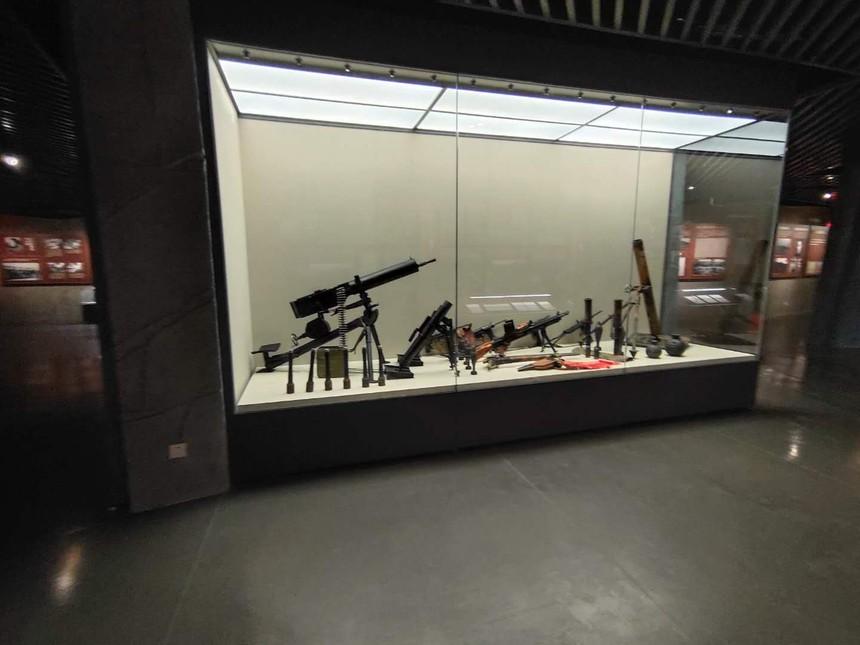 博物館恒溫恒濕展柜.jpg