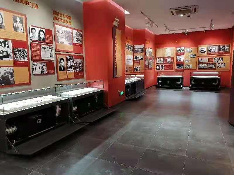 博物館恒溫恒濕玻璃展示平柜.jpg
