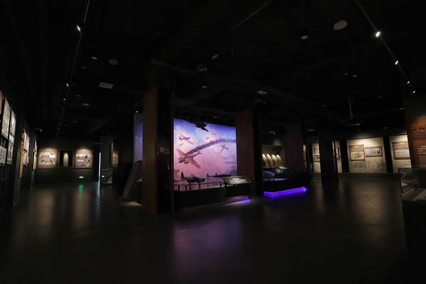 博物館高柜.jpg