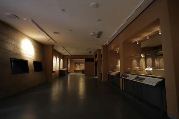 博物館龕柜.jpg