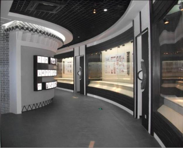 博物館展柜弧形通柜.png