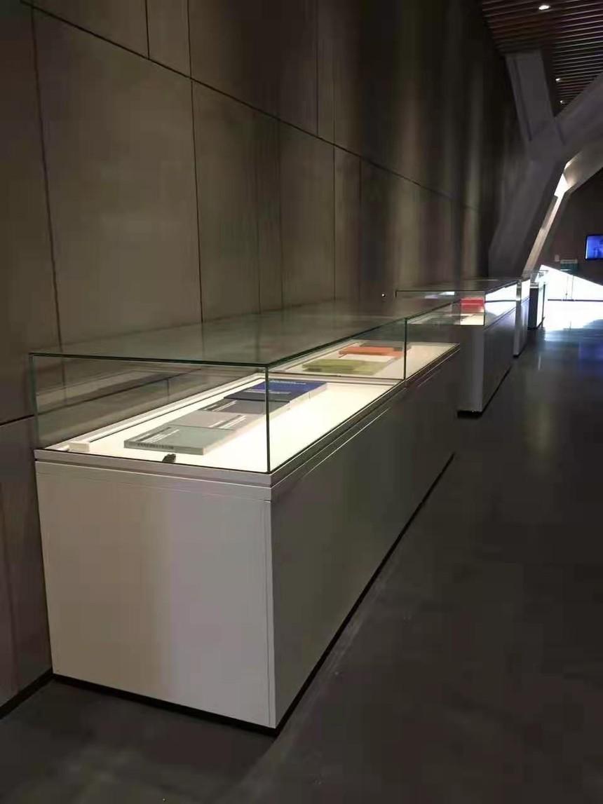 博物館展柜書畫展示柜.jpg