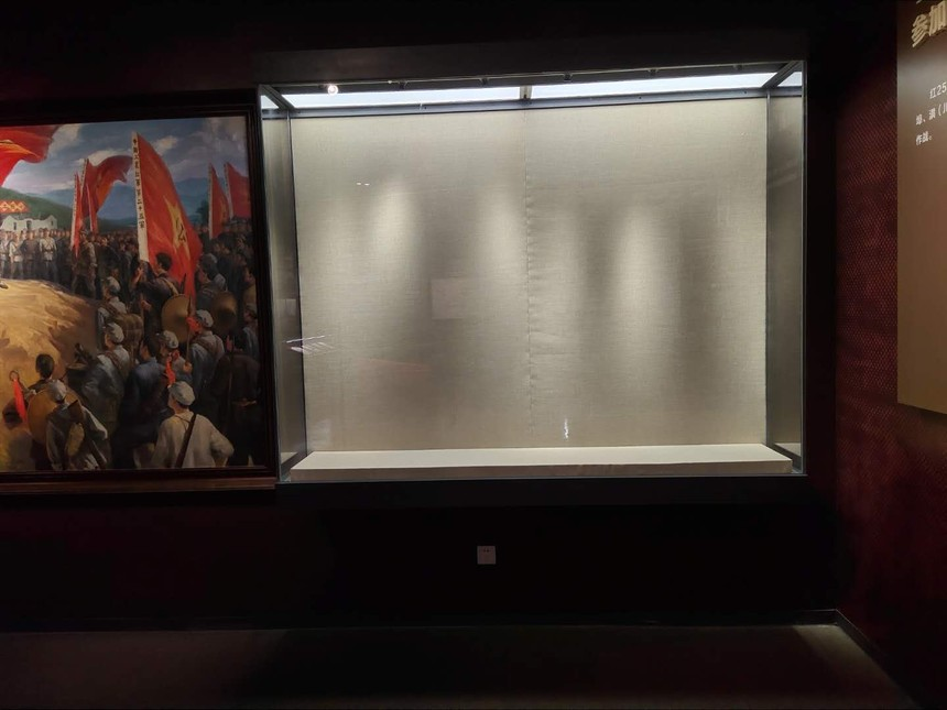 紀念館展柜.jpg