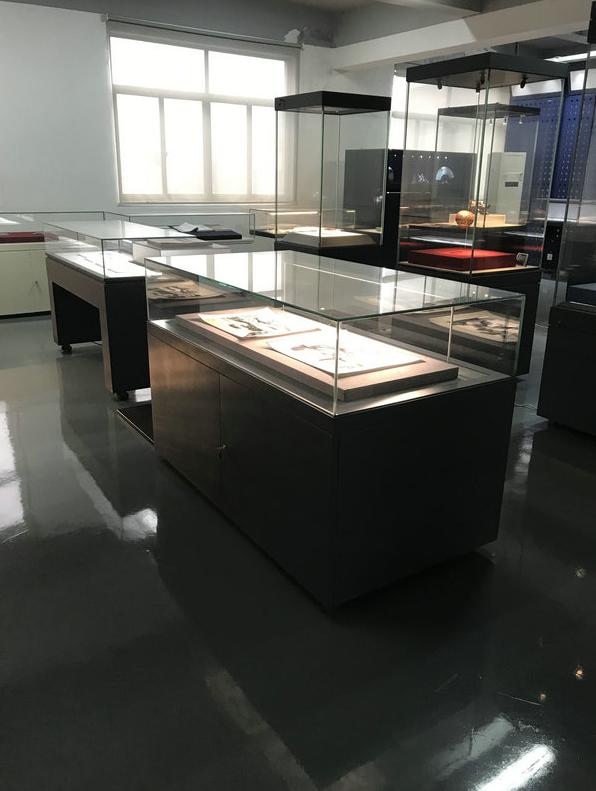 博物館文物展柜.png