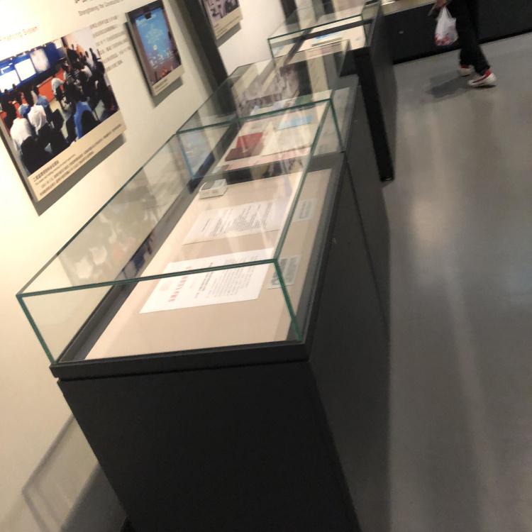 博物館文物展柜.jpg