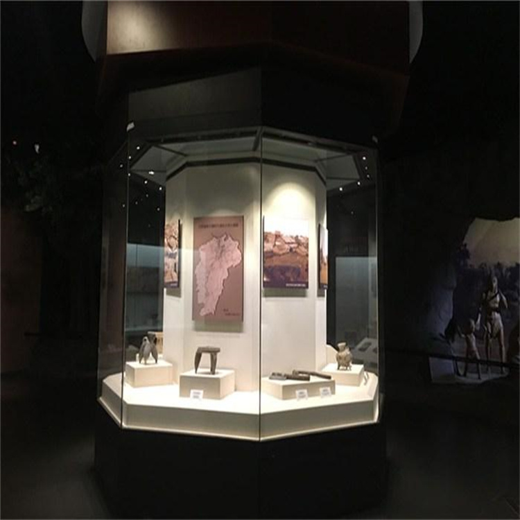 博物館展柜.jpg