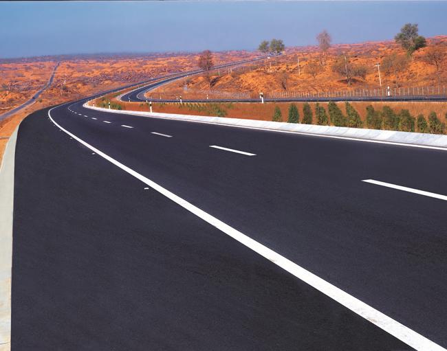 鄂尔多斯沿黄一级公路.jpg