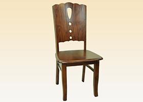淺色榆木桌椅