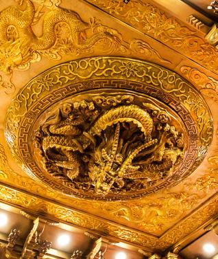 室内铜穹顶.jpg