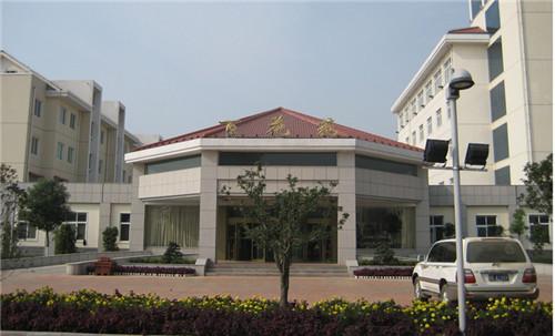 2008年5月,酒店受托管理的驻马店市市委、市政府接待单位百花苑宾馆开业。