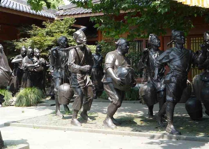 铸铜锻铜雕塑ss.jpg