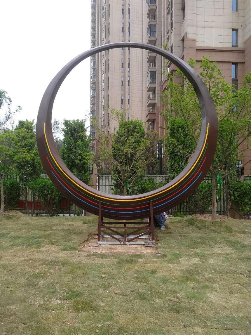 天河路文体公园雕塑9.jpg