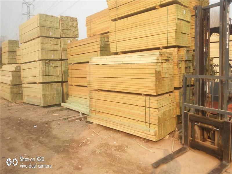 防腐木材1.jpg