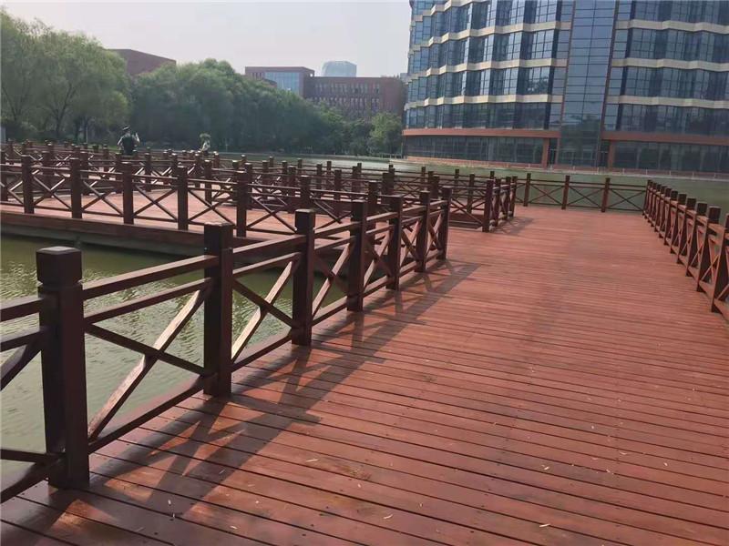 防腐木桥9.jpg