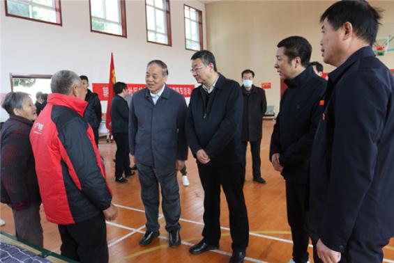 省农业农村厅副厅长王韬赴朝邑农场调研受灾情况并慰问受灾群众