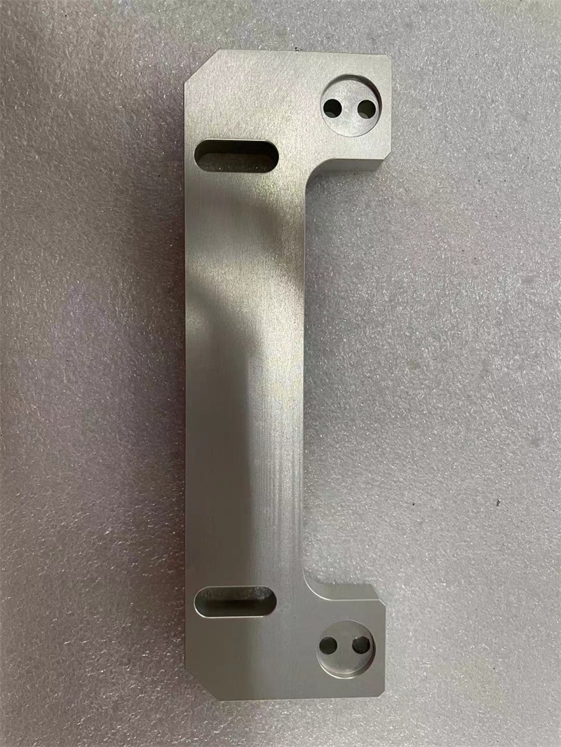 板类-铝板本色氧化CNC高精度加工(1).jpg