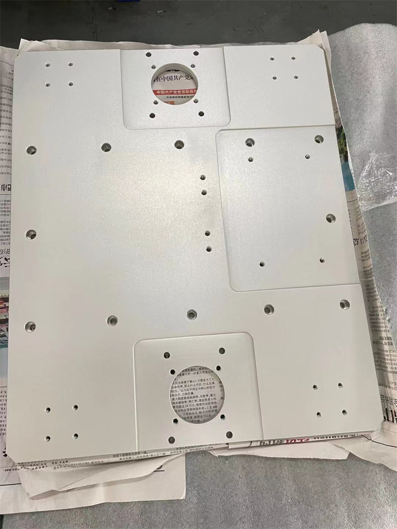 板类-铝板本色氧化CNC高精度加工(2).jpg