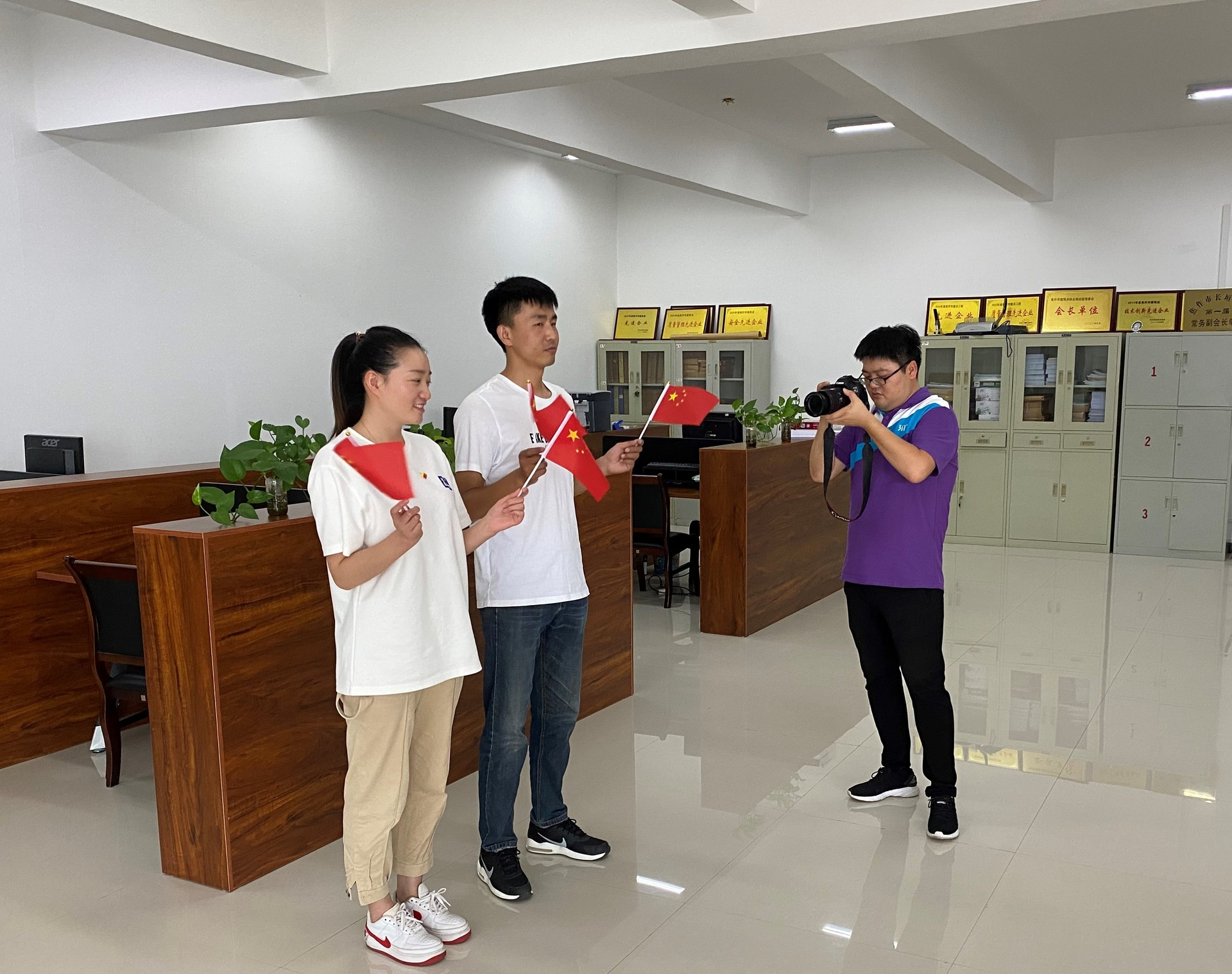 拍摄七一党建诗歌朗诵视频短片.JPG