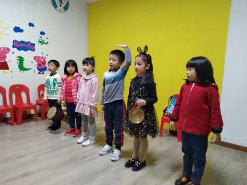 广州爱艺教育少儿语言培训