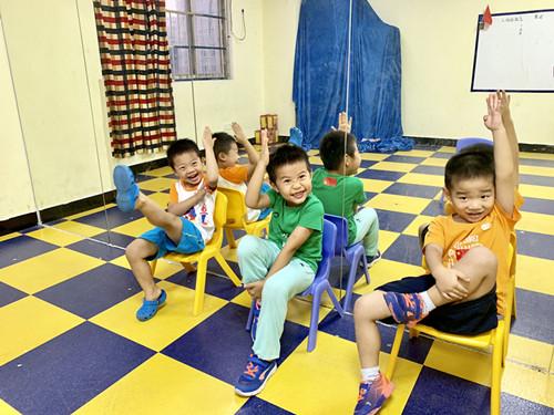 少儿表演口才培训班广州爱艺教育的优势