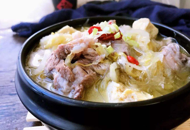 东北人吃肉.jpg