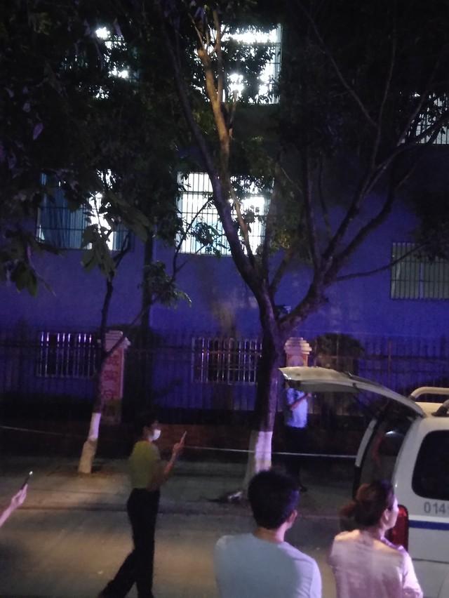 刚刚姐告小学遭到缅甸炮弹袭击,具体情况不明,警察正在处理中。
