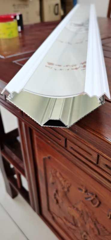 求购天花顶角线发光套件 如图片类型,提供给参数。联系微信A135